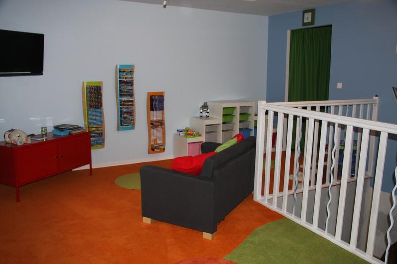sarl du sol au plafond salle de jeux 1. Black Bedroom Furniture Sets. Home Design Ideas